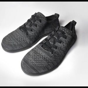 Suavs Zilker sneakers.